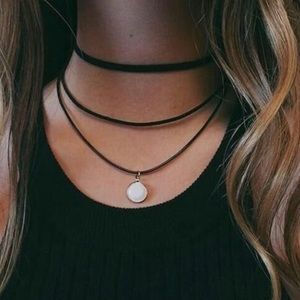 Jewelry - Choker Layered Necklace w Pendant